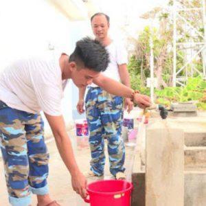 Trường Sa lắp đặt hệ thống máy lọc nước biển thành nước ngọt